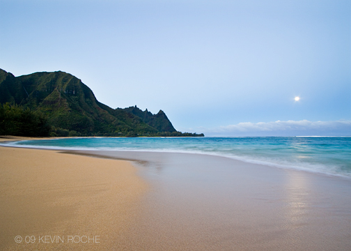 Moonset over tunnels beach